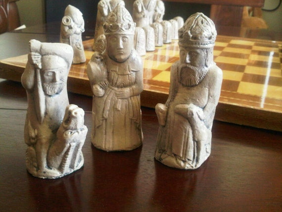 Dragon hunt medieval isle of lewis style chess set with - Lewis chessmen set ...