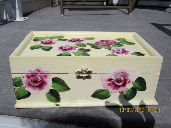 Wood Jewelry Box beige with Roses and green leaves mirror inside hand painted