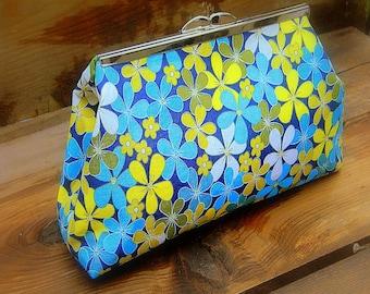 Pocket Full Of Posies, Flower Cotton Metal Frame Clutch Purse Vintage Inspired