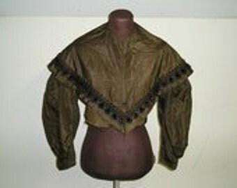 1836-8 Silk Taffeta Bodice and Pereline