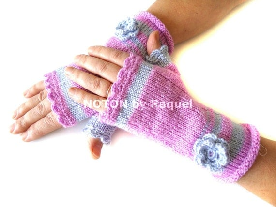 Knit Fingerless Gloves in Lilac and Grey