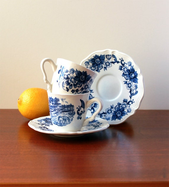 Vintage set of one cup and its saucer - Blue decor - Sarreguemines, France