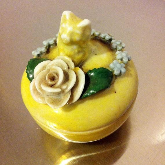 Small Porcelain decoratve ring box