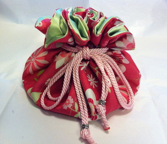 Drawstring Jewelry Pouch / Travel Bag / Store Jewelry / Cosmetics / Pink and Green Flowers with Green Inside