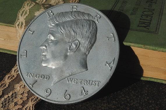Novelty Coin Kennedy Large 3 inch Half Dollar Vintage Souvenir jumbo magic JFK
