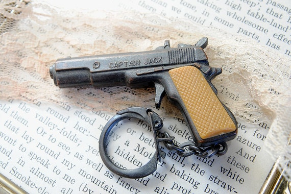 Vintage Tiny Gun Key Chain Captain Jack Cpt. pistol jewelry supply charm