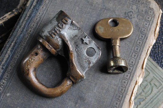 Antique Railroad RACO Lock with Working Key NYCRR RR Screw Key