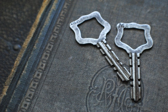 Pair of Vintage Keys with Unique Shape Marquis lot supply