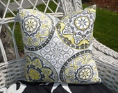 "Indoor/Outdoor BLACK ,WHITE and PISTASCHIO 17"" Pillow Cover"