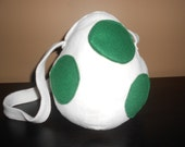 Yoshi Egg Purse (White/Green)