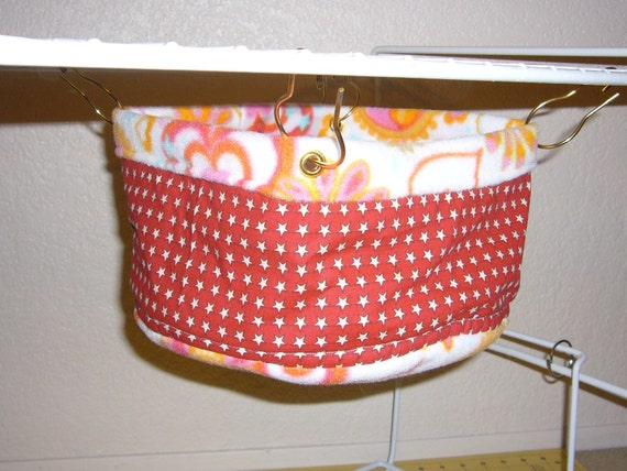 "Bucket Hammock  ""Stars on Red Print with Hearts on White Fleece Lining"" Rat, Ferret, Sugar Glider"
