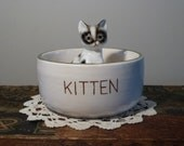 """Hand Painted Vintage """"Kitten"""" Cat Food or Water Bowl with Blue Cat Illustration Inside"""