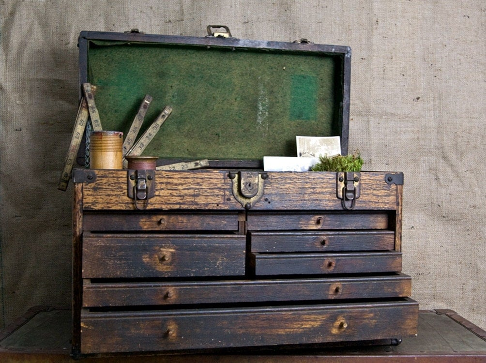 vintage wooden tool box 1920s industrial tool box. Black Bedroom Furniture Sets. Home Design Ideas