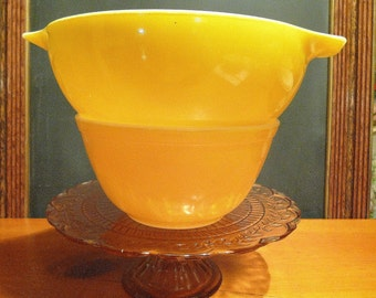 2-Piece Bright Sunny Lemon Yellow Pyrex Bowl Set