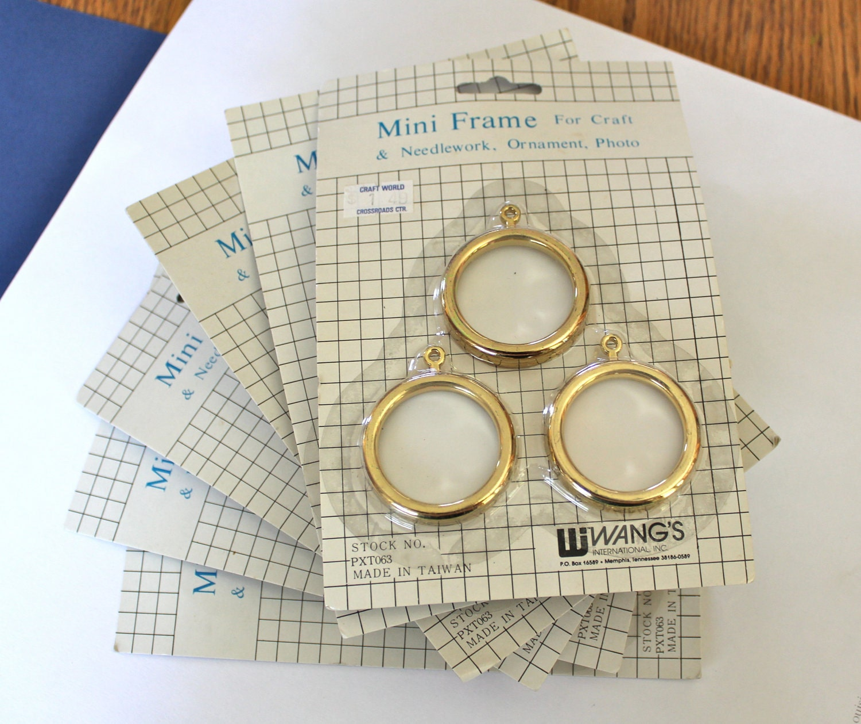18 Mini Frames For Crafts Needlework Ornament Photos