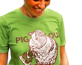 Guinea pig eating pizza Medium Tshirt mens/unisex green PIG OUT