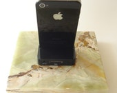 iPhone 5  Dock made of Cream Onyx