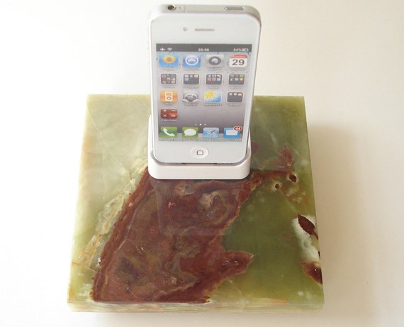 Beautiful iPhone 4/4s Dock Green Onyx Stone with white iPhone 4 dock charging station