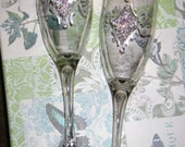 Champagne Flutes/Pair of Hand Painted, Diamond Shaped Brooch, Bridal Accessory