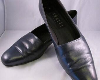 1980's Amalfi Navy Leather Semi Pointed Toe- Slight Wedge - Vintage - Size 9 1/2 2A