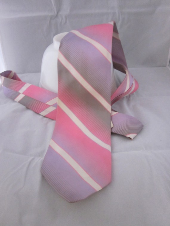 Men's Tie Grey, Pink and Purple - 1980's - Diagonal Striped Fade-  Wemlon Tie by Wembley - costume party - miami vise style