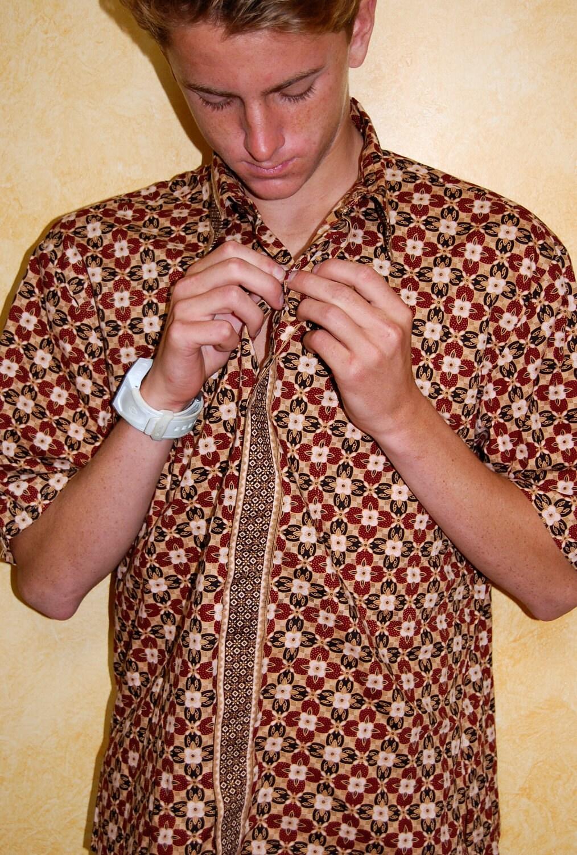 Vintage Indonesian Hippie Cool Summer Batik Mens Shirt M