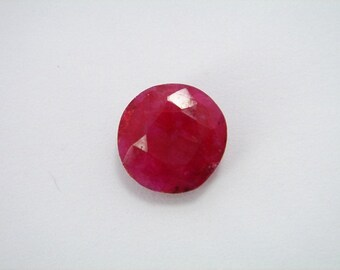 Round Ruby Gemstone - faceted Cabochon. - very well polished 11mm - Red round Gemstone - Ruby 11mm