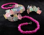 Vintage FLORALS Demi Parure Acryllic Multi Color Strand With Earrings To Match Big 80s Bling 18.00 o.b.o.