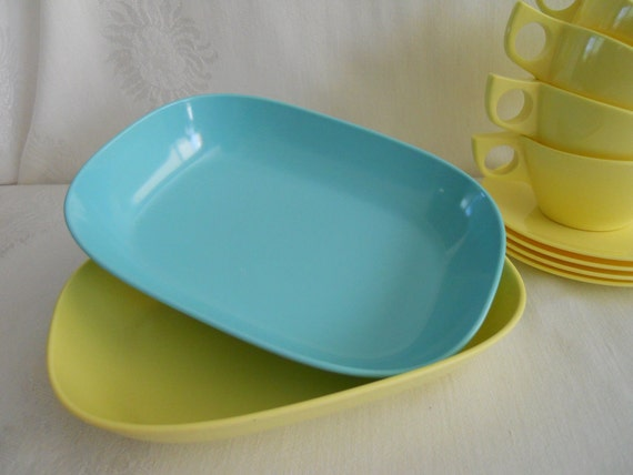 Vintage Yellow and Turquoise Serving bowls.  2 pieces.