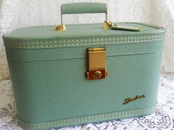 Starline Train Case Carry-on Luggage.  1940s 1950s