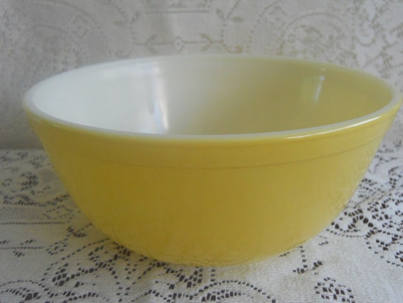 RESERVED Mellow Yellow Pyrex Mixing Bowl. 1950s