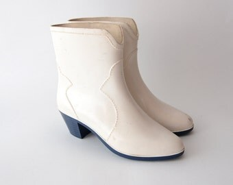Vintage western style heeled white rubber boots