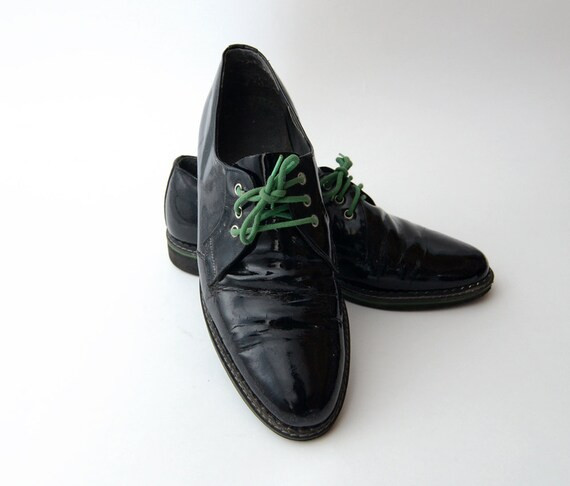 Reserved Vintage black Patent shoes with Green Laces