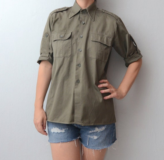 Vintage olive green army shirt