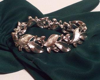 Vintage Lisner Silver Tone Bracelet