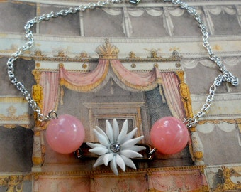 Children's Flower Necklace Pink and White Vintage Wedding Flower Girl Jewelry - Bubble Gum Daisy Kids Necklace