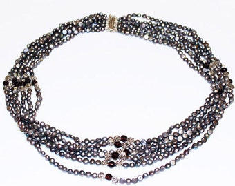 Black Rose Pearl Necklace- FREE SHIPPING