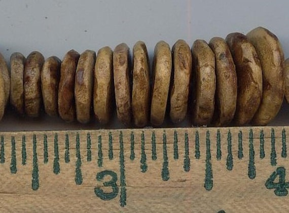 Hand Carved Acorn Beads (thick) (5)