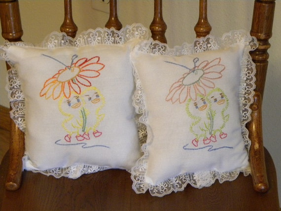 Nursery Decor, Baby Shower Gift, Crib Pillows, Baby Ducklings