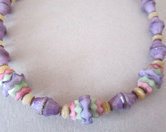 Vintage glass necklace pastel. pastel necklace. bead necklace jewelry. vintage jewelry