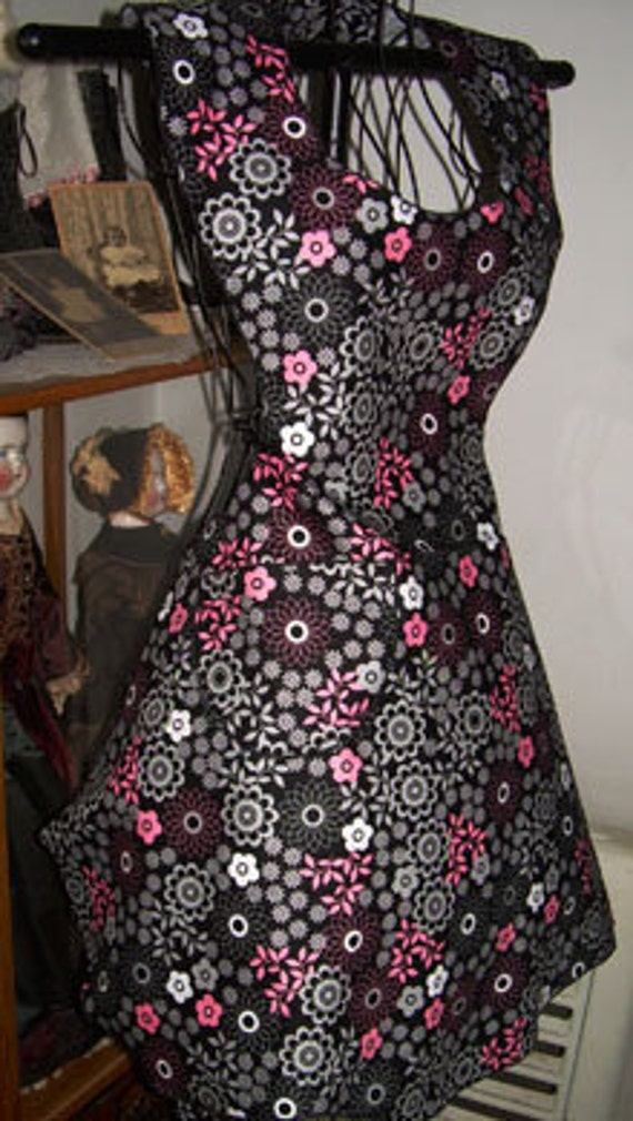 Retro 50's Style Bib diner Apron Groovy Black Flower Made to Order