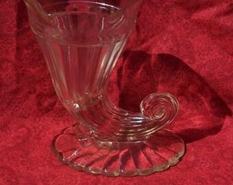 Vintage 50s Jeannette Glass Cornucopia Vase