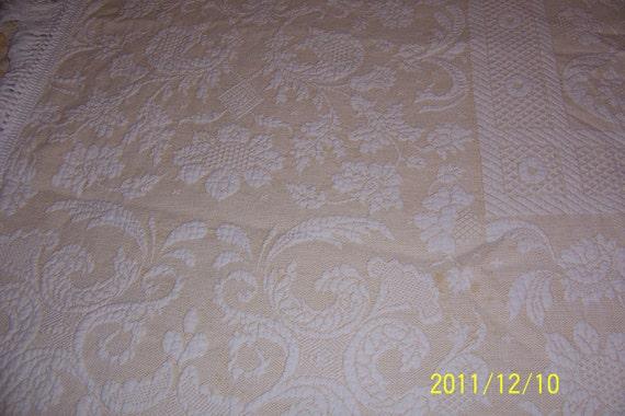 Bates Queen Elizabeth Bedspread