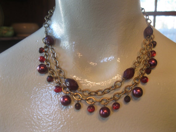 Dark Red and Antique Brass Chain Beaded Necklace