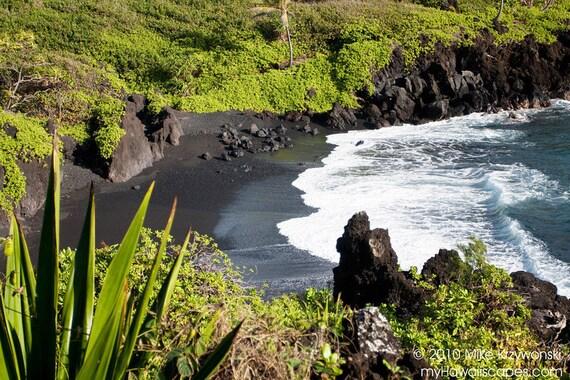 Breathtaking Black Sand Beach, Maui