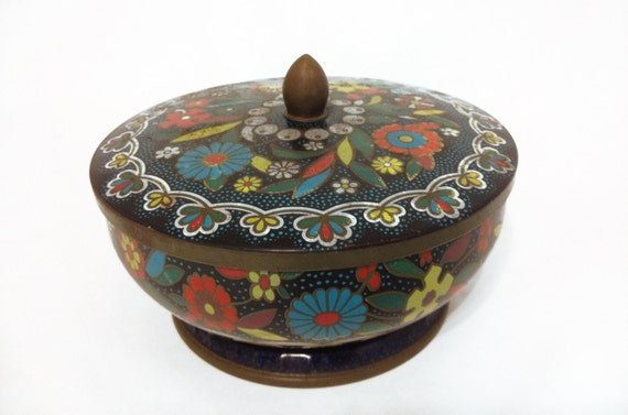 Vintage Flower Tin with Handle by Daher