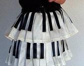 Women Piano Key Pleated Skirt