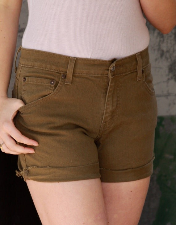 Olive green cut-off Levi shorts size 6/7 medium