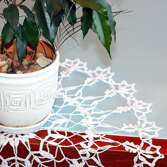 "WHITE CROCHET DOILY Round 50 cm / 20"". Crocheted Doily."