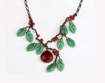 Green and Red Beaded Necklace, Red Bib Floral Necklace, Nature Jewelry, Christmas Necklace
